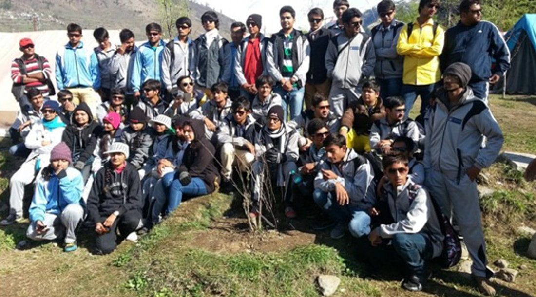 Students of Marwadi University have lots of fun in Manali